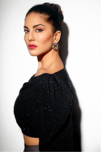 Stylist Hitendra Kapopara found Sunny matching earrings from Aquamarine - Fashion Models