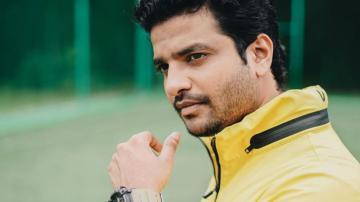 Neeraj Madhav looking cool in athleisure wear