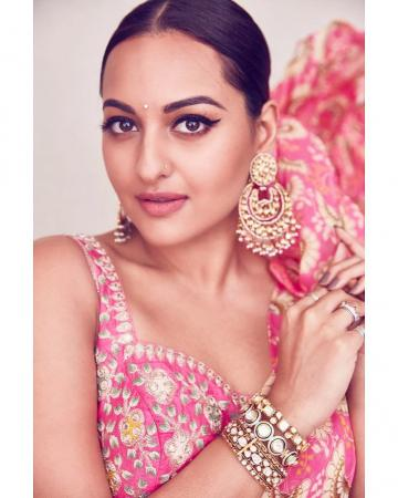 Makeup artist Heema Dattani kept the look the same too - with a slight change in the lip colour - Fashion Models