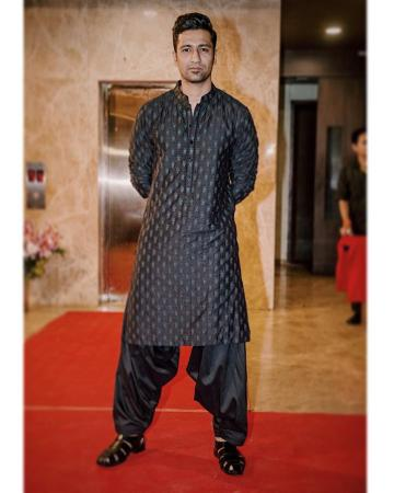 The Sanju actor was the ultimate north Indian eye-candy in this silk Benaras weave Kurta-pyjama set, which has subtle self embroidery - Fashion Models