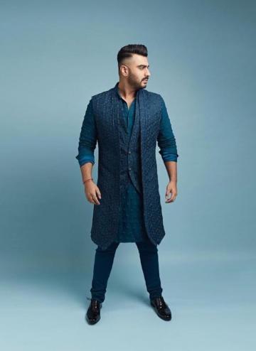 Stylist Nikita Jaisinghani decided that the kurta needs no other embellishments - Fashion Models