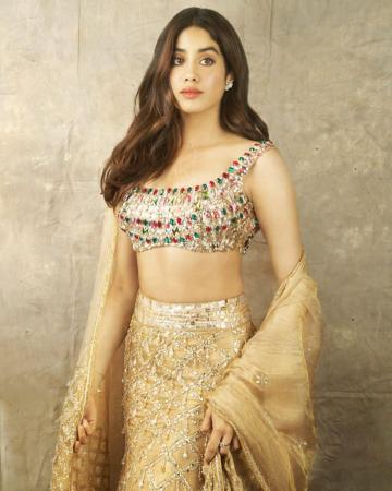 Jhanvi Kapoor was spotted at the Diwali bash thrown by the Bachchans in this stunning lehenga from Manisha Malhotra - Fashion Models
