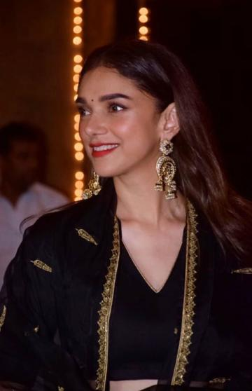 Aditi Rao Hydari arrived for Diwali celebrations at Amitabh Bachchan's residence an elegant lehenga from Raw Mango - Fashion Models