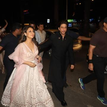Gauri Khan arrived for the Bachchans' Diwali bash with Shah Rukh Khan looking gorgeous in this baby pink lehenga from Khosla Jani - Fashion Models