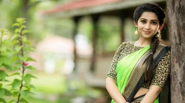 Nakshathra Nagesh looking serene in this green saree