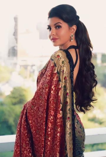 Jacqueline Fernandez attended the trailer launch of Dabangg 3 in this beautiful Benarasi saree from Manisha Malhotra  - Fashion Models