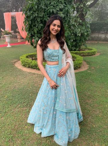Rakul looks like the-girl-next-door-dressed-up, with the colour of the outfit and the sparse jewellery making it charming - Fashion Models