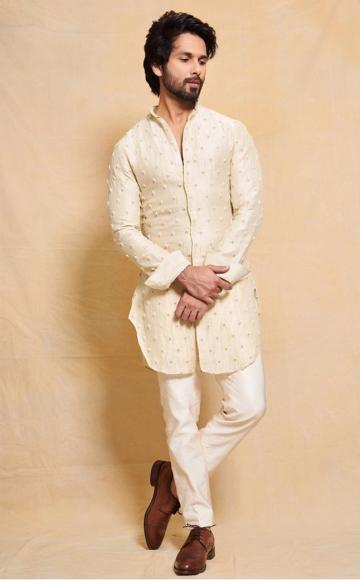 Shahid Kapoor was spotted recently in this crisp off-white Kurta from Kunal Rawal - Fashion Models