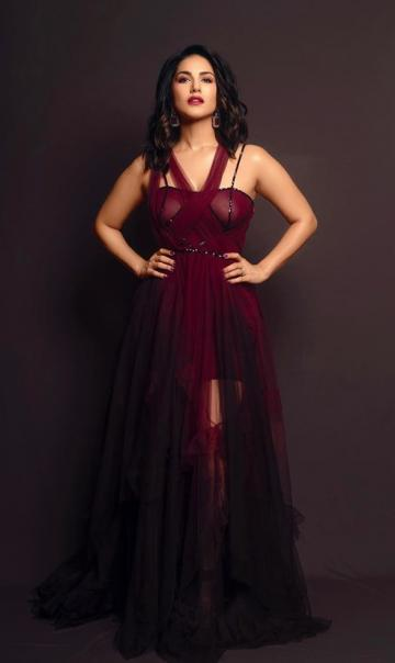 Makeup artist Devina Narang gave Sunny maroon lips and a highlighter-heavy makeup scheme - Fashion Models