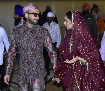 After visiting the Tirupathi temple, Deepika Padukone and Ranveer Singh offered prayers at the golden temple in Amritsar to mark their first wedding anniversary - Fashion Models