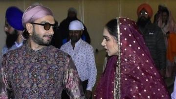 Deepika Padukone and Ranveer Singh looking smashing at the Golden Temple