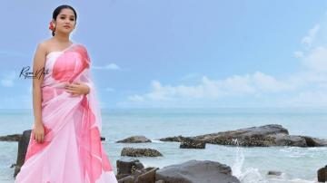 Anikha Surendran in a pink floral saree!