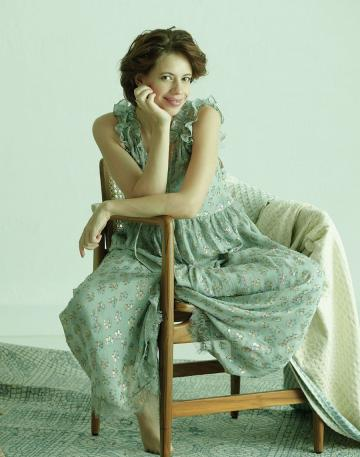 Kalki Koechlin recently had a shoot and posted some unedited photos to prove that she is quite the package - Fashion Models