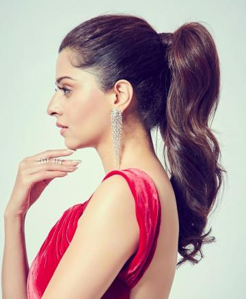 The cascading earrings from Gehna is a beauty too  - Fashion Models