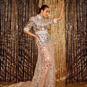 Just the reflections and shine makes this gown a wonder. Well done, Stylist Tanya Ghavri! - Fashion Models