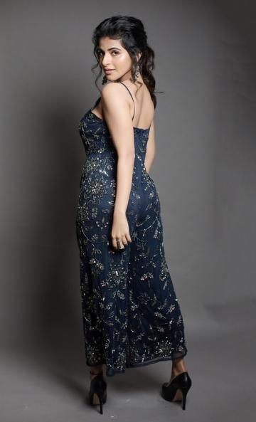 The sequinned embroidery jumpsuit in navy blue is an inspiration - Fashion Models
