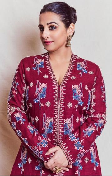 Our own Vidya Balan was seen earlier in this classy embroidered kurtha outfit from Anita Dongre - Fashion Models