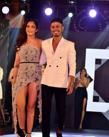 Akshara Haasan recently walked the ramp as the showstopper for designer/stylist Ashwin Thiyagarajan and boy, did she look good! - Fashion Models