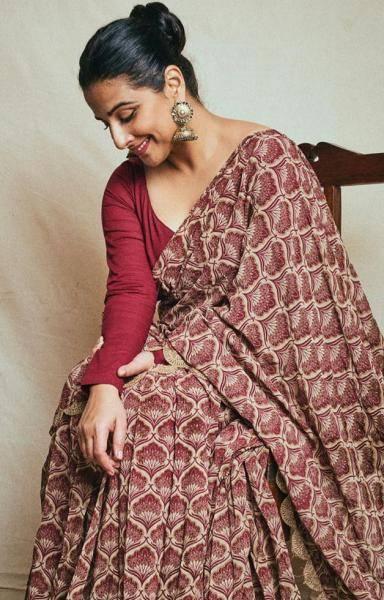 Makeup artist Shreyas Talpade kept it simple and hairstylist Shalaka Bhosle also toed the line - Fashion Models