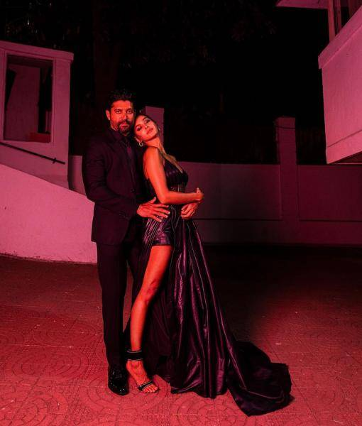 We love how Farhan's look matches Shibani Dandekar's; The two are always turning us green with their sweetness - Fashion Models