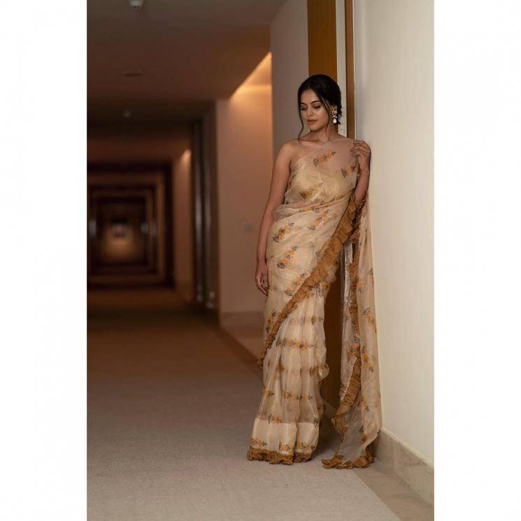 Bindu Madhavi arrived for the launch of Aha Media's OTT platform in Hyderabad in this ruffled saree from Merasal - Fashion Models