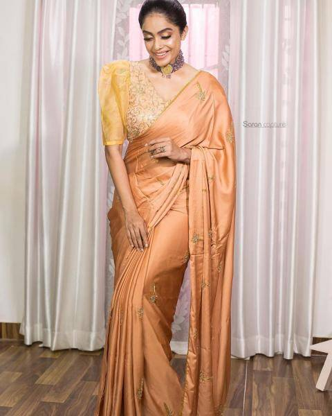 Abhirami Venkatachalam recently attended an award show wearing this saree from The house of Soka - Fashion Models
