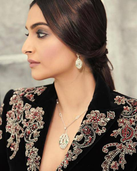 The jewellery from Bulgari looks opulent in a refined way; while it is not too showy, it also is not negligible - Fashion Models