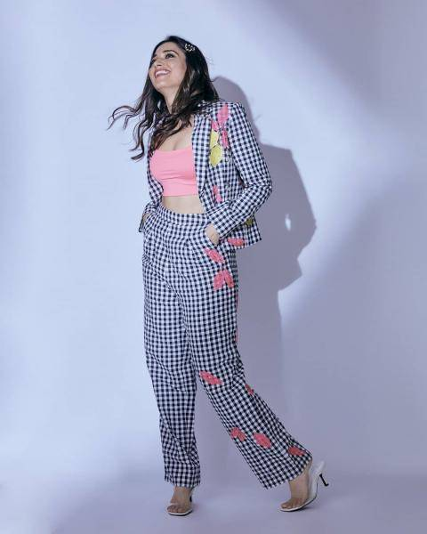 The pink bustier from Bershka paires well with the checked suit which has matching lemon-and-pink-lips print - Fashion Models