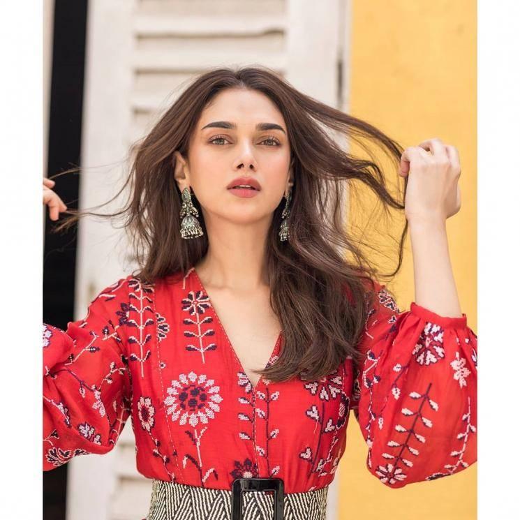 Stylist Sanam Ratansi paired it with a chic monochrome belt from Payal Pratap - Fashion Models