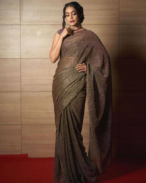 The sequined earthy saree is so perfect for a dinner night that we should begin a line of drapes called the 'dinner sarees'! - Fashion Models