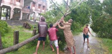 West Bengal, Odisha, braces for impact as Bulbul flits towards the Bangla coast - Daily news