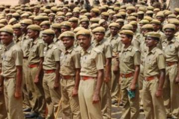 Tamil Nadu police asked to sign registers in Tamil - Daily news