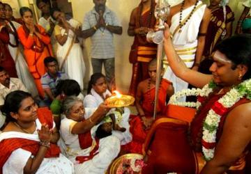 விர்ஜீனியாவில் வெர்ஜின் பெண்களுடன் நித்தியானந்தா தியானம்! - Daily news