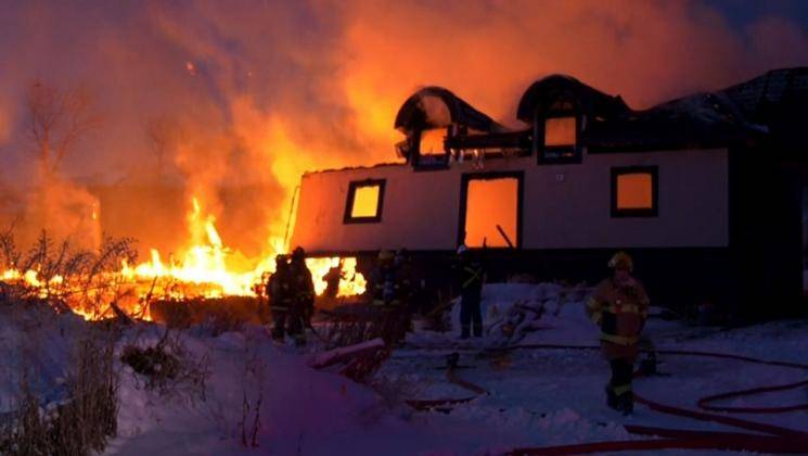 Family locked in, house set afire in Chennai - Daily news
