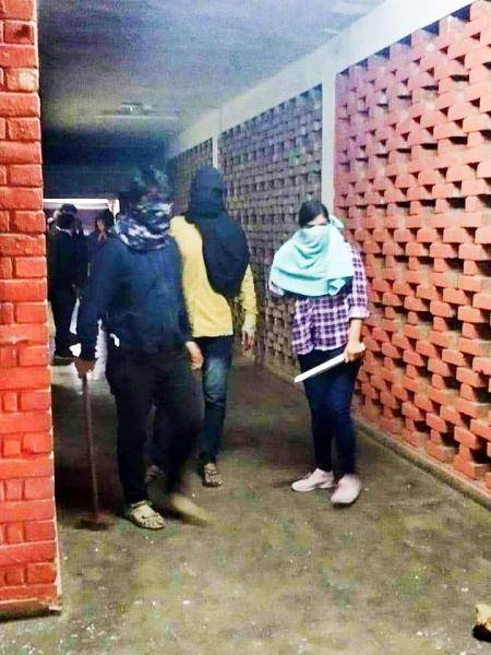All you need to know about what led to the JNU attack - Daily news