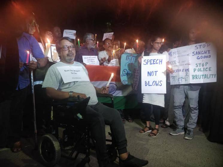 Protests in Chennai, Kochi condemning JNU attack - Daily news