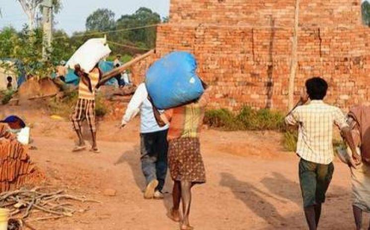 Bonded labourers rescued in Tiruvallur - Daily news
