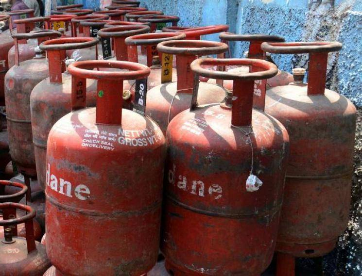 LPG Price hiked by Rs 144.5: Cost now is 858.5 per cylinder  - Daily news