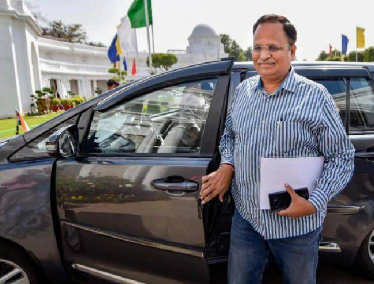 Delhi Health Minister Satyendar Jain tests positive for COVID!