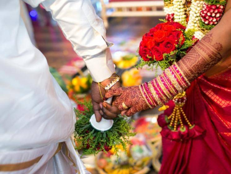 Coronavirus survivor's wedding recreated by medical staff in Bengal