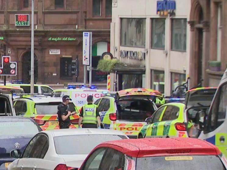 Brutal killer goes on stabbing spree in Glasgow Scotland! - Daily news