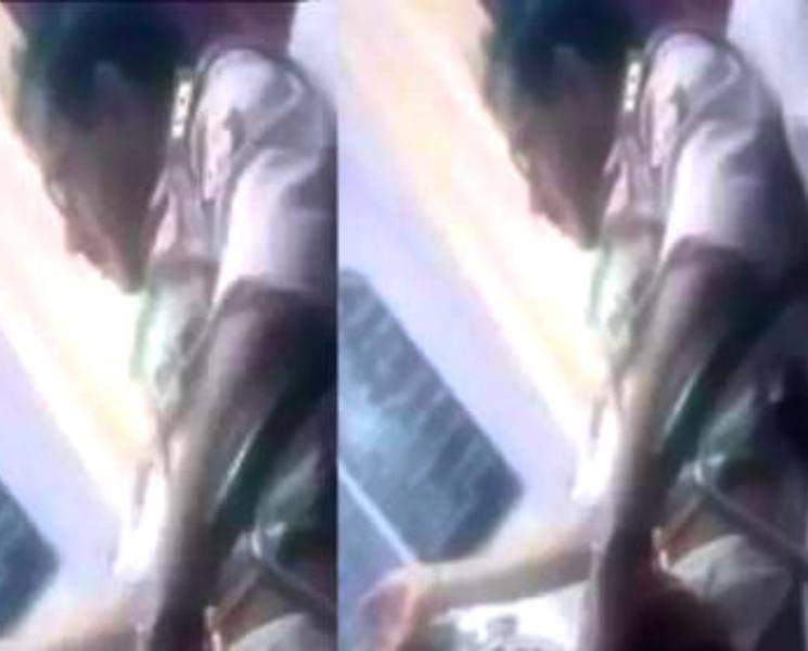 காவல் நிலையத்தில் புகார் அளிக்க வந்த பெண் முன்பு போலீஸ் சுய இன்பத்தில் ஈடுபட்ட கொடுமை!