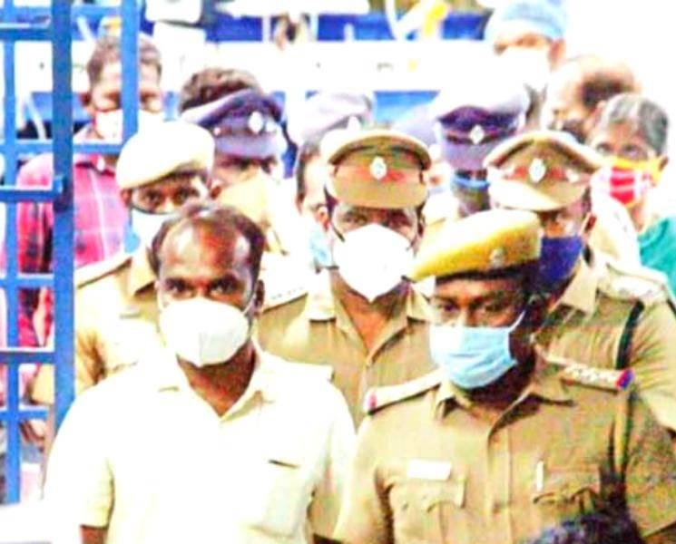 சாத்தான்குளம் லாக்கப் டெத்.. கைதான 3 போலீசாருக்கு 15 நாட்கள் சிறை!