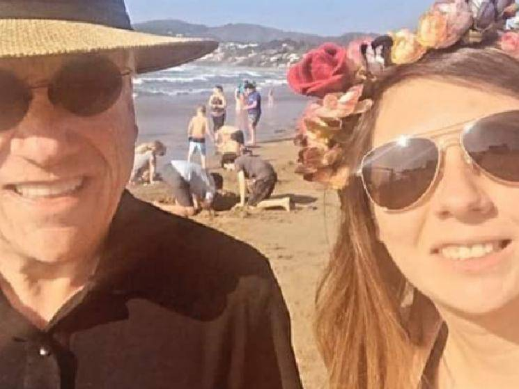 Chilean President fined heavily for maskless selfie on beach! - Daily Cinema news