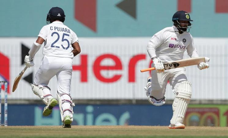 India fighting to avoid follow-on against relentless England in 1st Test! - Daily Cinema news
