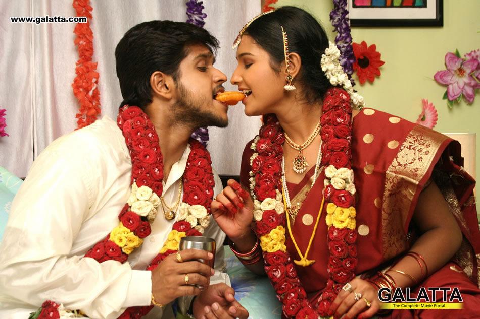 Aayiram Muthangaludan Thenmozhi