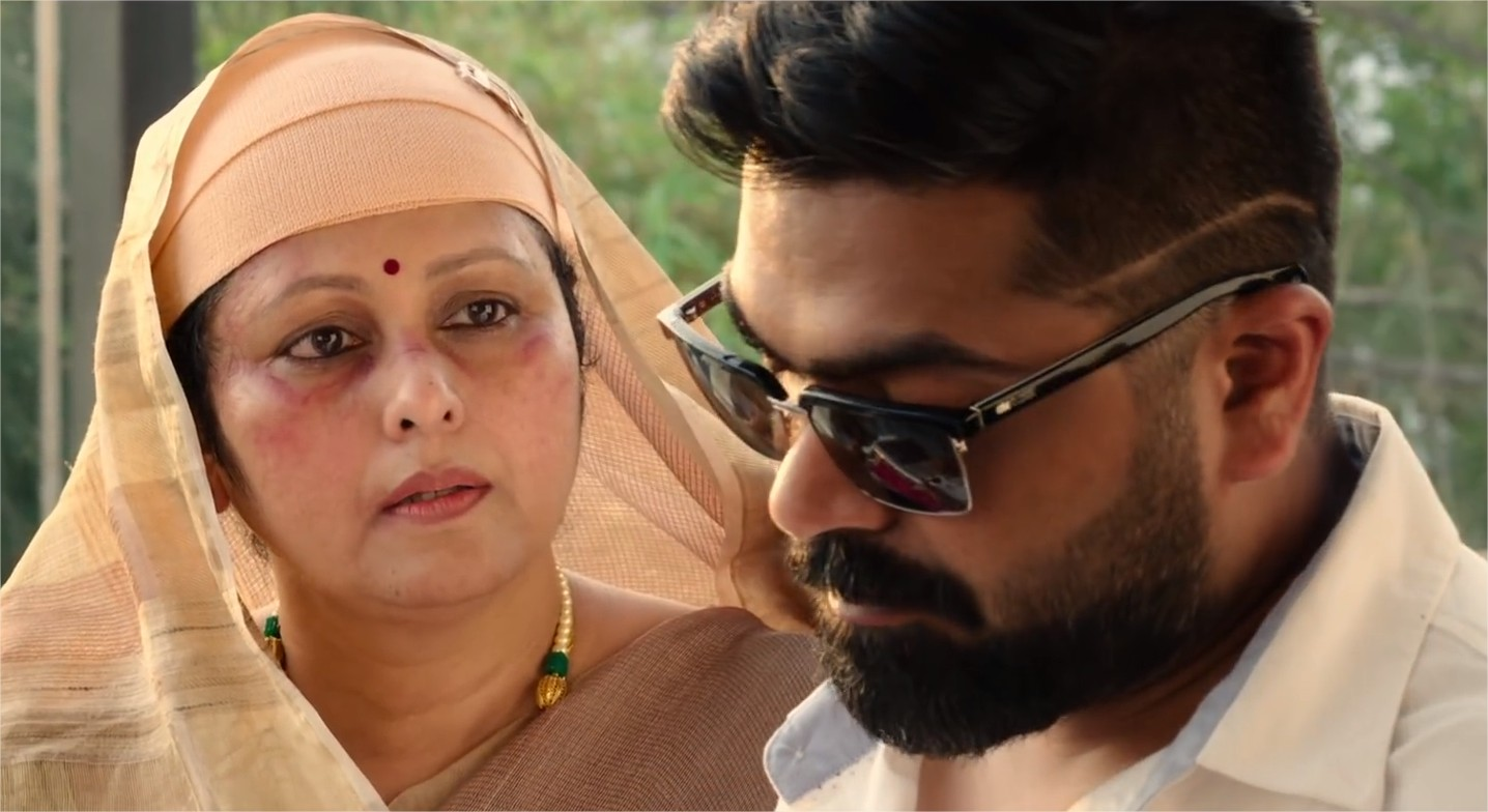 Jayasudha and STR Simbu in Chekka Chivantha Vaanam
