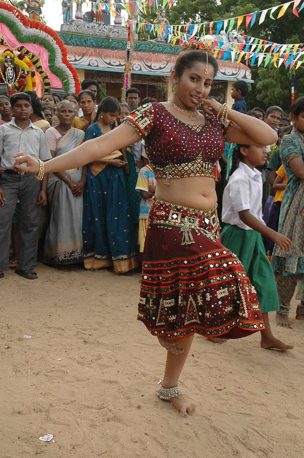 Divya Meethu Kadhal