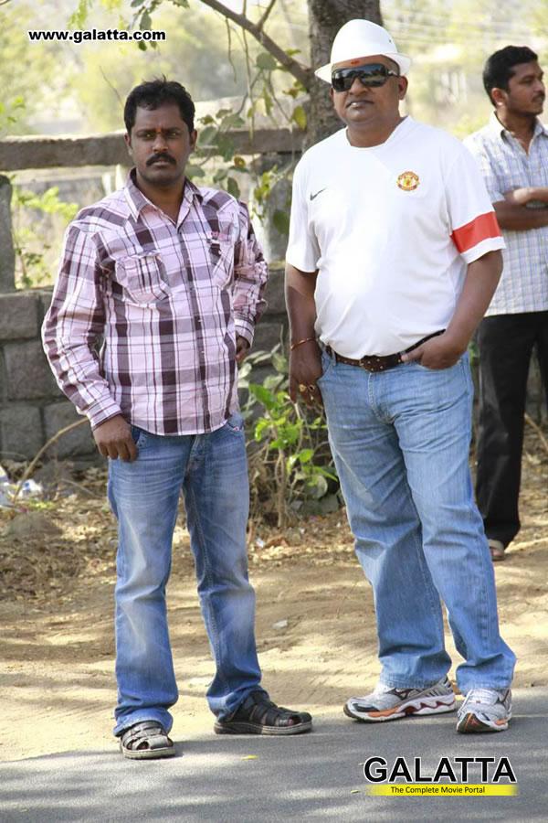 Em Babu Laddu Kavala