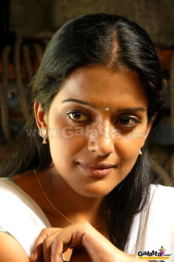 Pidichirukku tamil full movie